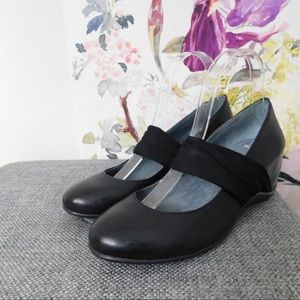 DKNY Black Leather Fabric Strap Wedges